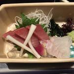 Maruyahonten - 鯛とマグロのお造りです