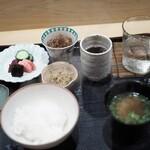 津の守坂 小柴 - 食事