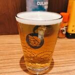 立飲みビールボーイ - 同行者様の発注したビールのグラスはビールボーイ君仕様