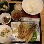 名護曲レストラン - グルクン唐揚げ定食