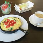 Kafefuku - モーニング・Dセット(スパニッシュオムレツ、サラダ、パン、ドリンク付き)(780円)