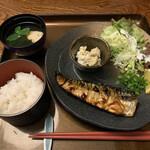 和カフェ 織部 - 料理写真:焼き魚定食(さば)