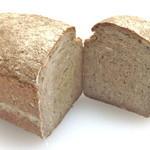 パン好房OHPADO - 黒ビールを仕込み水に使用したドイツパンです