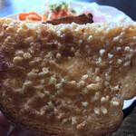 カフェドムッシュ - これが、アーモンドバタートーストだ!