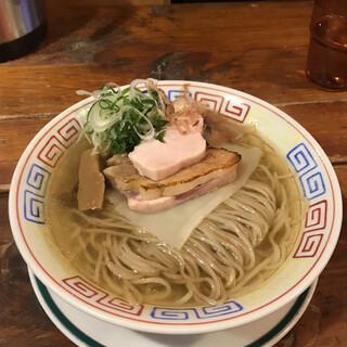麺屋 Somie's - 料理写真:京小麦の二色麺本枯れ節追い鰹の塩ラーメン