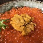 いくら家 丼 - 由良の「黒ウニ」
