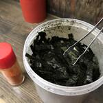 いくら家 丼 - 味付け海苔