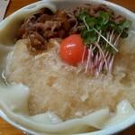 上を向いて - 料理写真:肉霙月見(麺大盛 ひやあつ)
