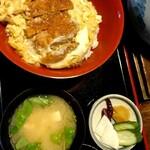 山城屋 - カツ丼