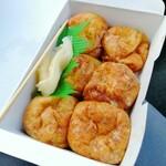 楓の木 - 料理写真:「たこ焼き」6個260円