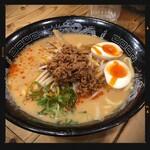 金伝丸 - 坦々辛麺 930円