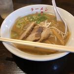 和歌山ラーメン 八両 - 料理写真: