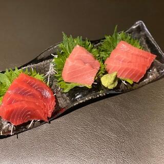 新鮮な海鮮は豪快に盛り合わせ!旬の味わいをたっぷりと