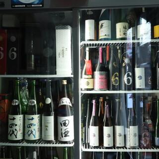幻の銘酒から国産ウイスキーまで、希少な厳選酒が勢揃い