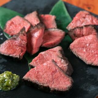 お肉も美味しい!近江牛の炭火焼!