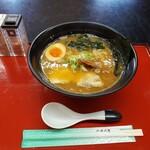 富田屋 - らぁめん 700円