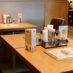 スパゲッティハウス チャオ - テーブル席