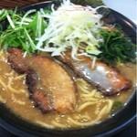 Si 激 Ya - Si激Yaらーめん(大) 900円煮豚増し+200円  煮豚はスープに沈んでます!