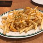 俺のGrill&Bakery - フライドポテト〜チェダー&パルメザンチーズのソース〜