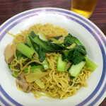 上海飯店 - 上海焼きそば(¥480)。小皿でボリュームは少ないが、驚くほどの安さ!