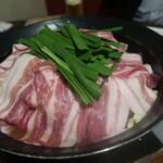 北海道ダイニング HAL - かみこみ豚の豚鍋
