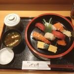 鮨処 やま輝 - にぎり 1,000円(税込)