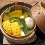 チャムアパートメント - 季節野菜のせいろ蒸し(ゴルゴンゾーラ or 天然塩)