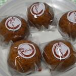 一本杉菓子店 - 1番人気のあげまんじゅう1個90円