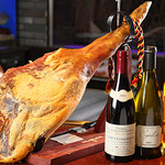 諏訪回廊 客人 - ワインとハモンセラーノ