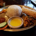 128478187 - ネパールローカル料理セット  1,300円