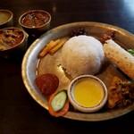 128478188 - ネパールローカル料理セット  1,300円