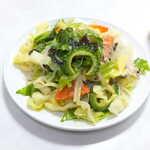萬和樓 - 台湾ビーフン。ゴーヤも乗って、野菜たっぷりでヘルシーな感じ!