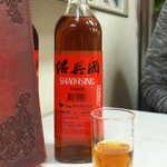 萬和樓 - 台湾産の紹興酒。熟成5年ということだが、割とサラっと飲みやすい味だった