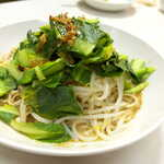 萬和樓 - 台湾麻醤麺(¥850)。胡麻ダレを絡めて食す麺、タレは酢が使われており、さっぱり系