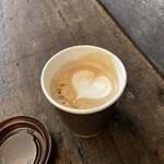 コーヒー ポトホト - 黒糖練乳カプチーノ