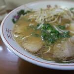 128479290 - 中華そばのスープアップ