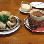 洋食のみかさ - エスカルゴ ブルゴーニュ風とオニオングラタンスープ