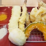 天ぷらめし 天之助 - かぼちゃゴリゴリ、季節の野菜はちちゃいごぼうゴリゴリ、かきあげは玉ねぎのみ