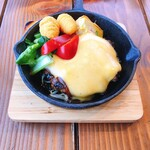 THE MEAT DUTCH - ハンバーグ+チェダーチーズトッピング