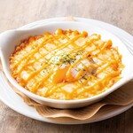 ダブリナーズ カフェ&パブ - マッシュポテトと半熟卵のグラタン風 ¥700-