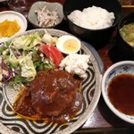 武馬 - ハンバーグ定食