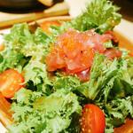 128493480 - 鮮魚と山葵菜のサラダ