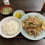 龍飯店 - 料理写真:野菜いため定食(みそ汁付) 680円