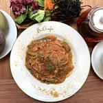 【4月】玄米パスタ 自家製米麹ベーコンと初夏キャベツ トマトソース