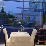 リストランテ ウミリア - 夜風にあたりながら、ゆったりディナーを・・・