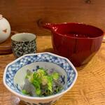 企久太 - 料理写真:お通し(しらす)
