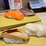 立飲み寿司 三浦三崎港 めぐみ水産 - 穴子、つぶ貝