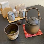 ゆき源 - お茶と醤油(辛口、甘口)