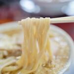 128529594 - 自家製極太麺は、まるで「うどん」のよう