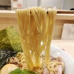 128530205 - 特製中華そば 麺リフト